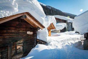Biketouren, Hotel in den Bergen, Winterlandschaft, Schnee